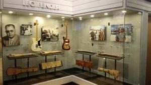 Museu Leo Fender - Music Kolor visita fábrica da Fender em Corona