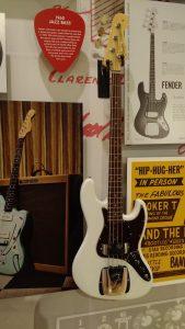 Jazz Bass 1960- Music Kolor visita fábrica da Fender em Corona